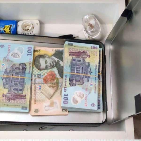 Grupare specializată în spălare de bani, destructurată