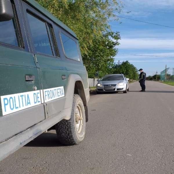 Depistat de polițiștii de frontieră ieșeni conducând un autoturism, deși nu avea acest drept