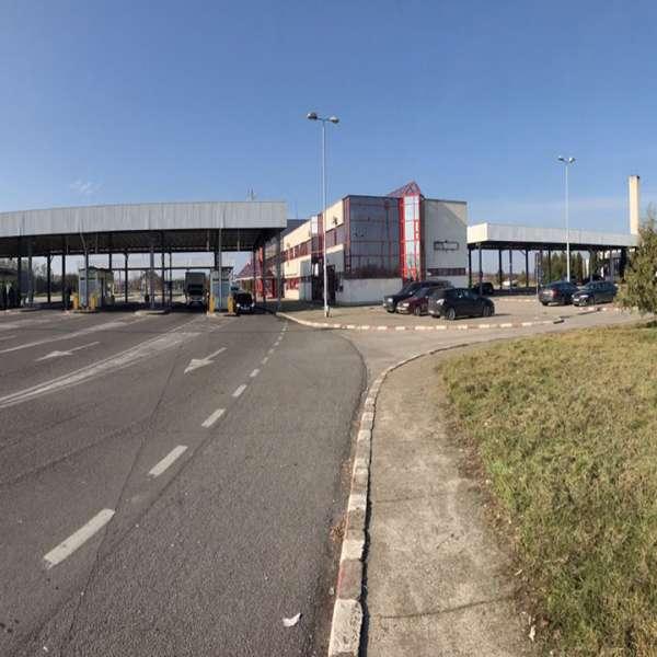 Automarfar încărcat cu deșeuri, oprit să intre în România, prin P.T.F. Petea