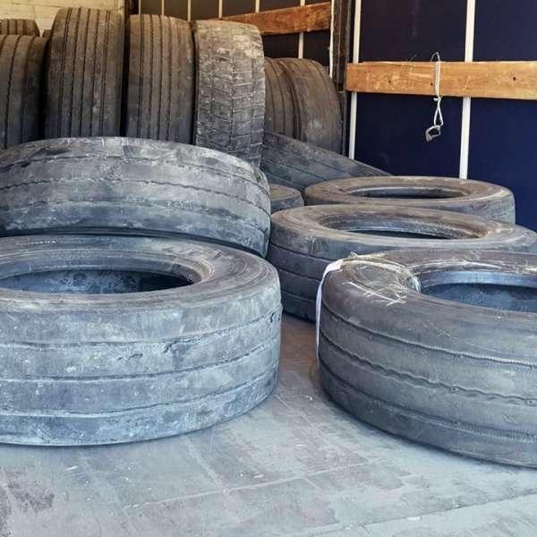 Peste trei tone de anvelope uzate oprite la Giurgiu
