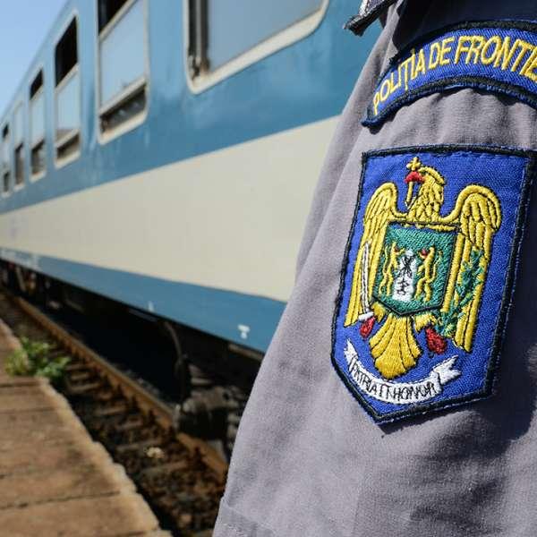 Cetăţean străin cu permis de ședere fals  opriți la granița cu Ungaria
