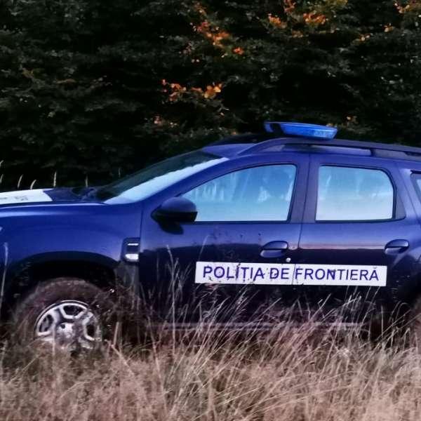 Doi motociclişti rătăciţi într-o pădure din apropierea frontierei de stat găsiţi de poliţiştii de frontieră şi salvamontişti