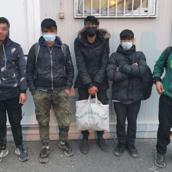 Cincisprezece cetăţeni străini depistați de polițiștii de frontieră arădeni
