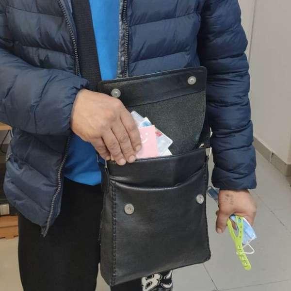 Identitate românească falsă cumpărată cu 100 de euro