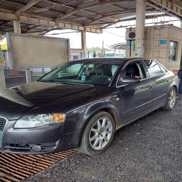 Dosar penal pentru conducerea unui autoturism cu număr de înmatriculare fals