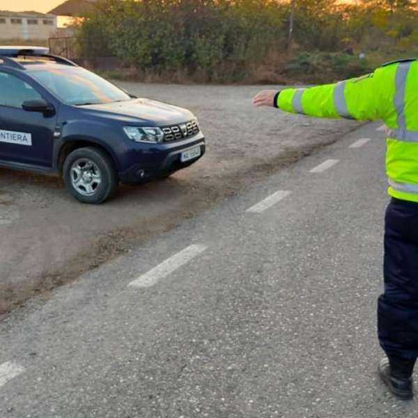 Tânăr carantinat la domiciliu, depistat în trafic fără permis de conducere