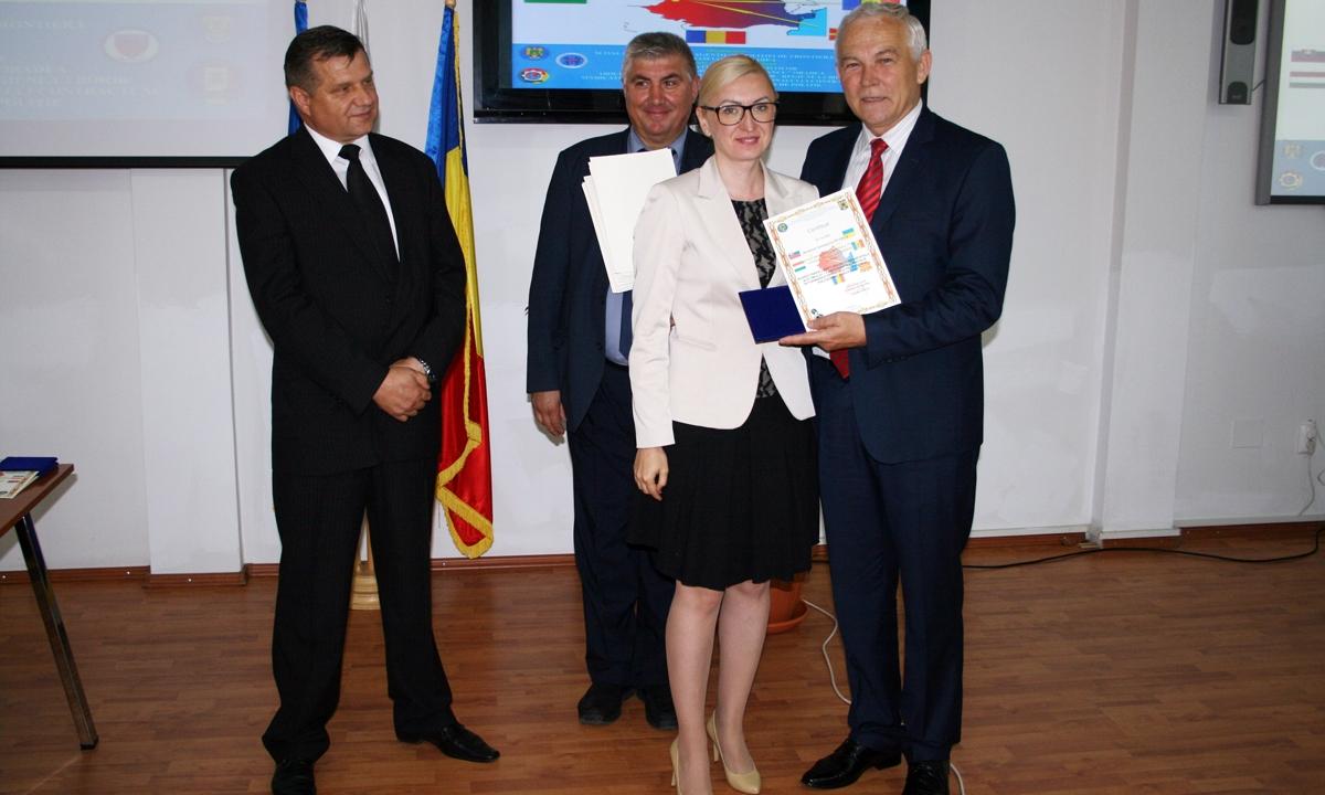 """Şcoala de Pregătire a Agenţilor de Poliţie de Frontieră """"Avram Iancu"""" Oradea, gazda unui simpozion internaţional"""